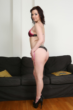 Slightly chubby brunette in pink lingeri - XXX Dessert - Picture 1