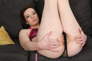 Slightly chubby brunette in pink lingeri - XXX Dessert - Picture 4