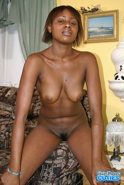 luscious ebony displays her