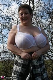 mature bbw shows her