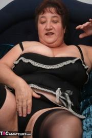 luscious granny peels off