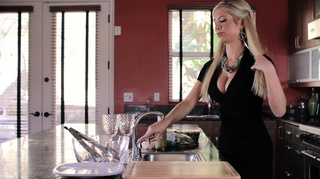 stunning blonde housewife screwed