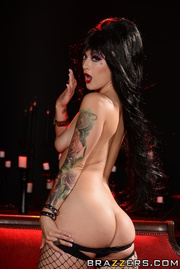 Elvira B