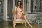 luscious chick bares her