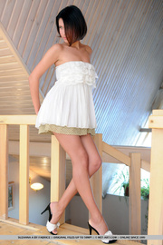 high heeled brunette short