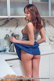 big tits brunette jeans