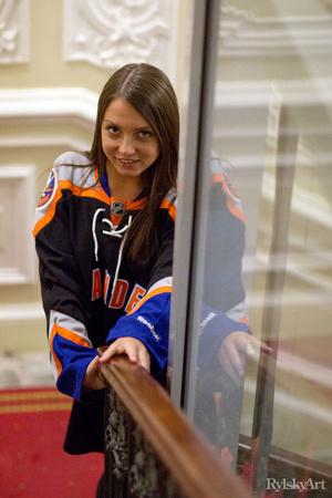 Girl in hockey jersey blowjob