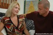 voluptuous milf uses her