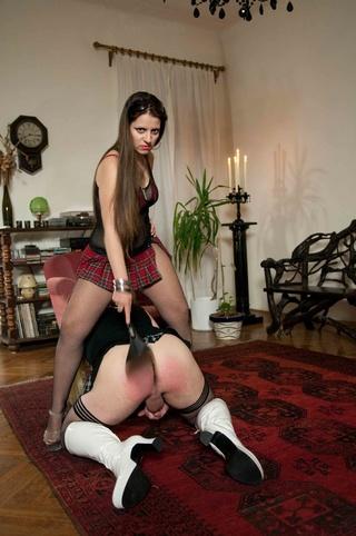 dominating bitch puts slave