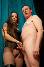 dominating whore ties her