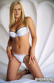foxy blonde displays her
