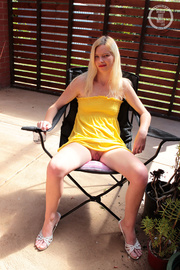 blonde bombshell teases with