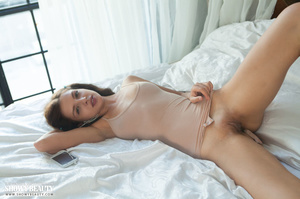Stunning babe teases with her banging bo - XXX Dessert - Picture 4