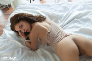 Stunning babe teases with her banging bo - XXX Dessert - Picture 8