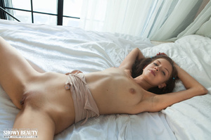 Stunning babe teases with her banging bo - XXX Dessert - Picture 14