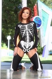 skeleton get-up redhead slowly