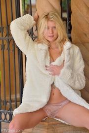 mink coat rubias does