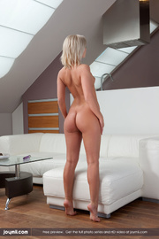 foxy blonde peels off