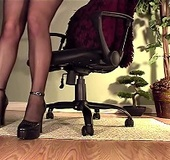 High heeled babe in black stockings rubbing and dildoing her shaved twat