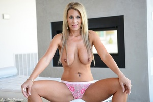 Hot cougar in flowery lingerie stuffs he - XXX Dessert - Picture 9