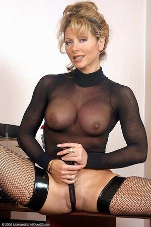 lynda leigh secretary