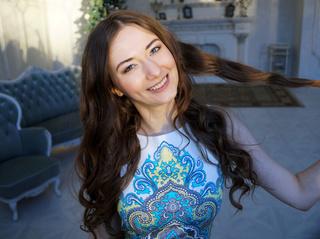 white girl brown hair