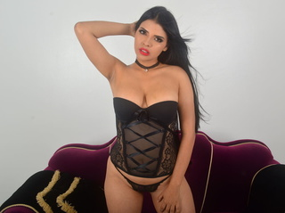 latin girl beautiful tits