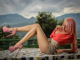 latin girl blonde hair
