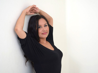 latin milf black hair