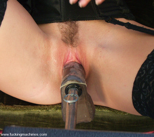 Hairy pussy blonde fucked by a machine o - XXX Dessert - Picture 2