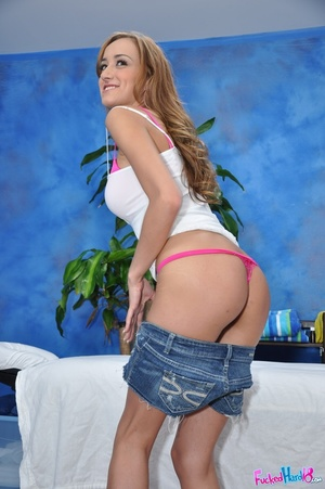 Sweeet teen with nice tits fucked hard a - XXX Dessert - Picture 3