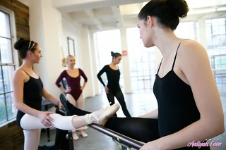 ballet lesbians dominate tie