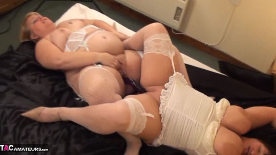 Ada Juliya in threesome party gets them going