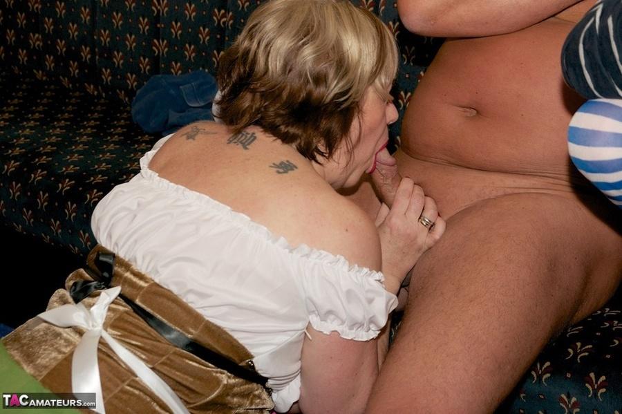 Two Mature Dudes Oral Sex