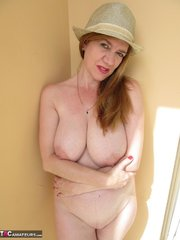 mature wife with red