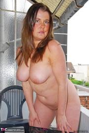 chubby gal with big