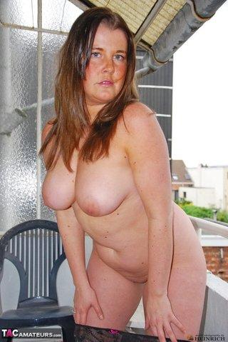 chubby gal big naturals