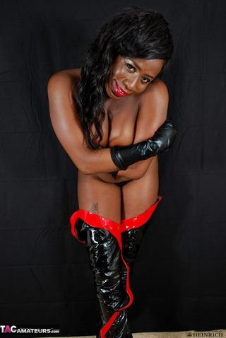 red lipped black gal