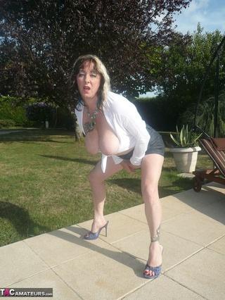 high heeled mom white