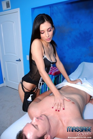 gorgeous masseuse extra naughty