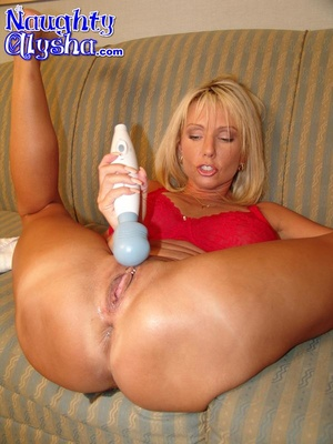 Busty blonde tanned milf wearing sexy re - XXX Dessert - Picture 8