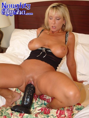 Busty blonde with amazing cougar body we - XXX Dessert - Picture 8
