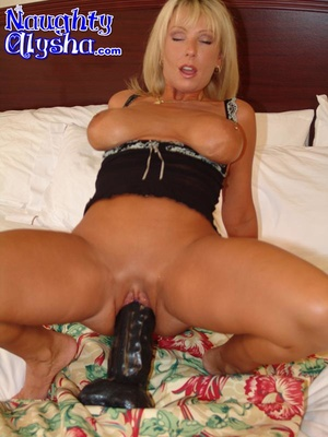 Busty blonde with amazing cougar body we - XXX Dessert - Picture 9