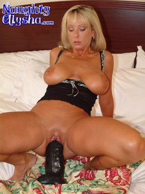 Busty blonde with amazing cougar body we - XXX Dessert - Picture 10
