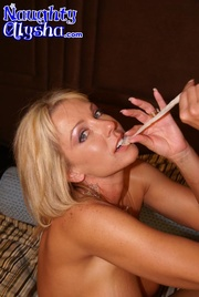 man hungry blonde milf