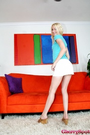 naughty blonde takes off