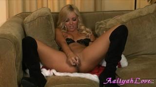 x-mas robe blonde stockings