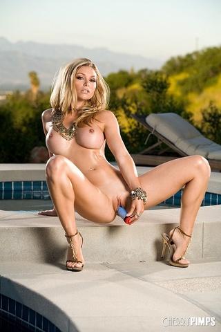 brown eyed blond model