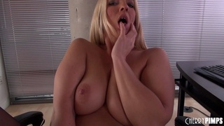 breath-taking blonde slut masturbating