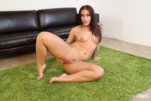 While masturbating, this sexy brunette v - XXX Dessert - Picture 9